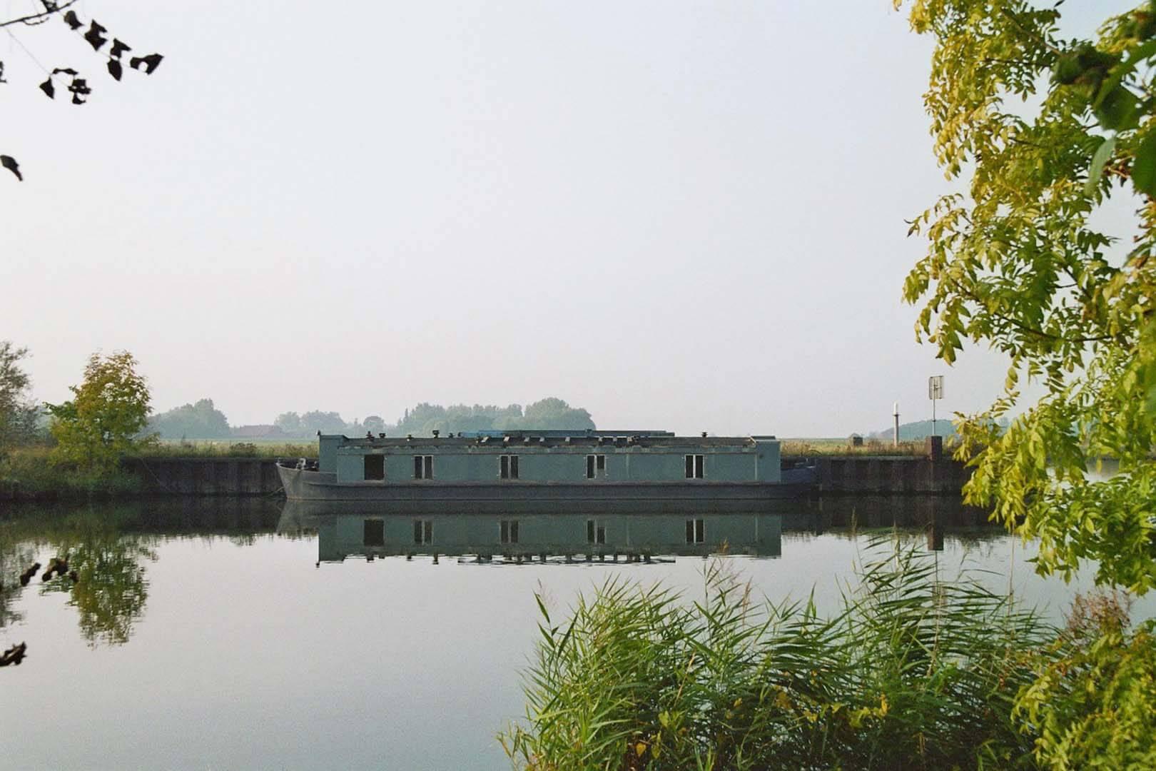 Die Peissnitz liegt ein Jahr in der Weser bei Dörverden und wartet auf das Wettbewerbsergebnis