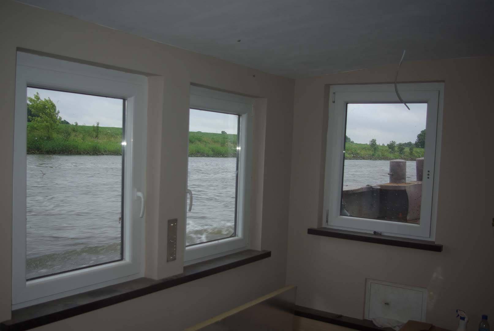 Überführungsfahrt auf der Weser: seetüchtiges Hausboot!